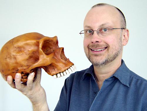 robert_sawyer_with_skull.jpg
